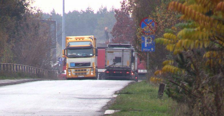 Porozumienie jest, TIRy jeżdżą nadal! Mieszkańcy Strzemieszyc i Sławkowa mają już dość Euroterminala!