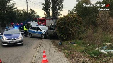 Staranowane auta i radiowóz, ranny policjant. Pościg za pijanym kierowcą w Katowicach (fot.Śląska Policja)