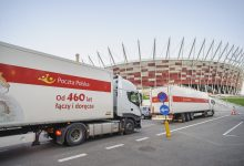 Poczta Polska wspiera budowę szpitala tymczasowego na Stadionie Narodowym (fot.Poczta Polska)