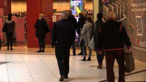 Dziś w Galerii Katowickiej było więcej osób niż zwykle o tej porze. Bo to ostatni gwizdek na kupienie ubrań stacjonarnie