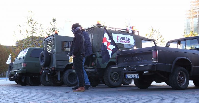 Katowice: Klaksony i ryk silników. Strajk kobiet tym razem samochodowy
