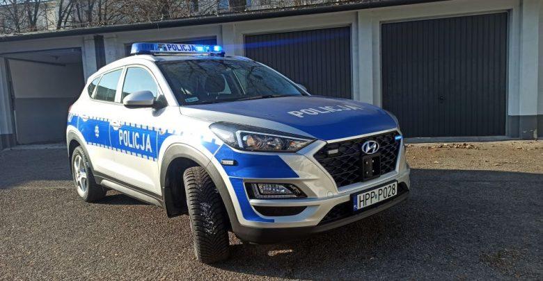 Teraz nawet po bezdrożach ciężko będzie uciec piekarskim policjantom. Bo dostali właśnie niezłego SUV-a w policyjnych barwach (fot. UM Piekary Śląskie)