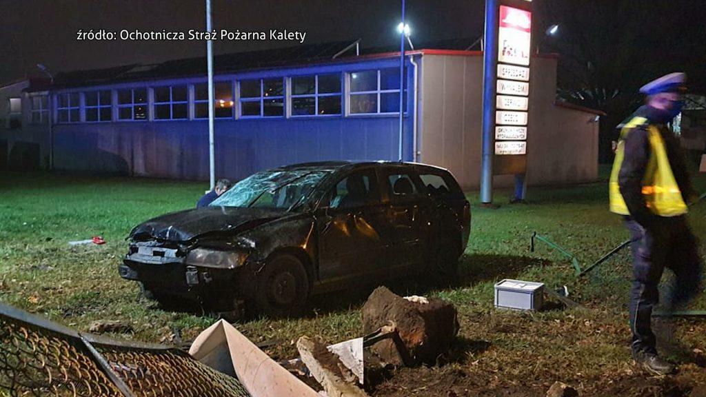 Śląskie: Policja szuka sprawcy! Kierowca Volvo wjechał w ludzi na chodniku!