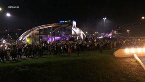 Demonstracje coraz mniej liczne, ale coraz bardziej konsekwentnie rozliczane przez policję. Takie tłumy zbierały się w Katowicach jeszcze kilka tygodni temu