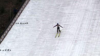 Smutny początek Pucharu Świata w skokach narciarskich w Wiśle. Ani śniegu ani kibiców