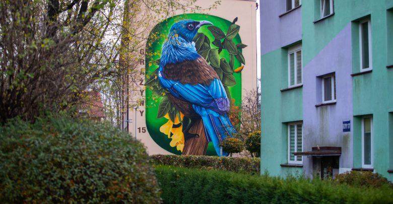 Wielki ptak w Bielsku-Białej. To nowy mural na bloku mieszkalnym. Fot. UM Bielsko-Biała