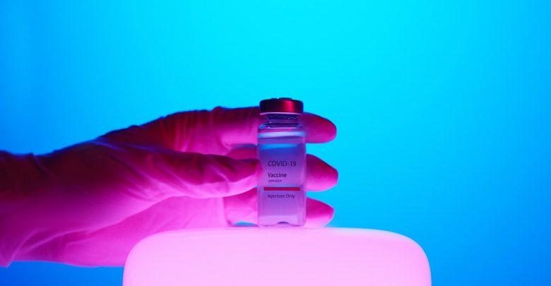 Do Polski ma trafić 2,4 mln szczepionek przeciwko Covid-19. Będą od trzech różnych producentów (fot.pixabay.com)