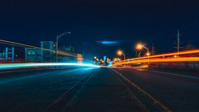 50 km/h całą dobę, koniec jazdy na zderzak. Rząd chce zmienić przepisy ruchu drogowego (fot.pexels.com)