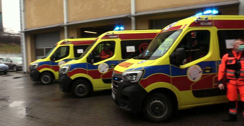 Do Katowic przyjechały pierwsze 4 żółte karetki. Wkrótce wszystkie będą w takim kolorze