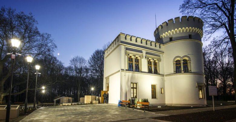 Odbudowa ruin oficyny pałacu Tiele-Wincklerów w Bytomiu-Miechowicach rozpoczęła się na początku 2019 roku (fot. UM Bytom)