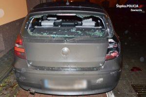 Kobieta, cofając, uszkodziła trzy zaparkowane pojazdy. Jak się okazało - to był dopiero wierzchołek góry lodowej tego, co miała na sumieniu (fot.Policja Zawiercie)
