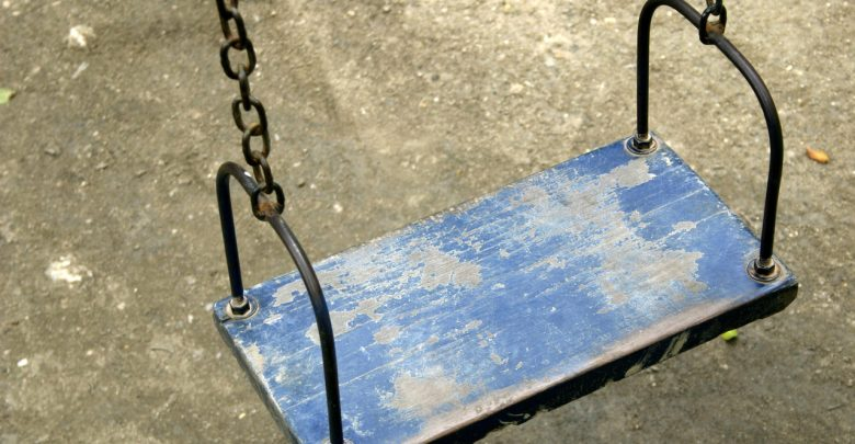 60-letni zwyrodnialec miał zgwałcić 15-latkę. Usłyszał już zarzuty. (fot.freeimages.com)
