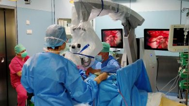 Pomoże przy operacjach guza mózgu. W bielskim szpitalu mają nowy mikroskop. Fot. UM Bielsko-Biała