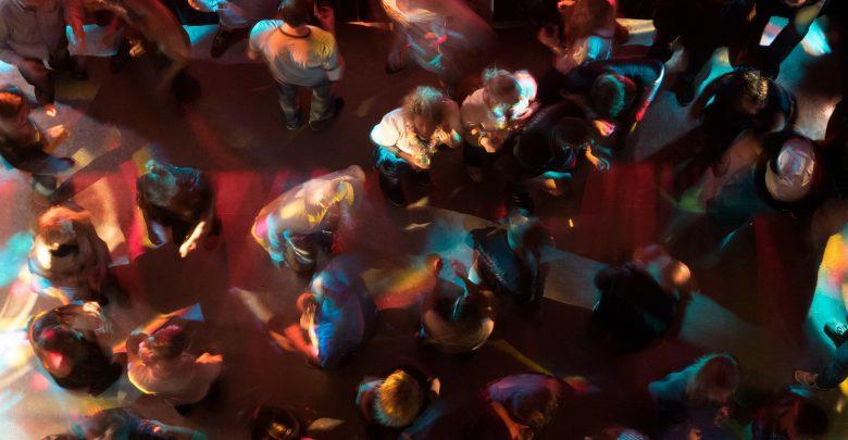 """Impreza na ponad 200 osób w Gdańsku. 30 tys. złotych kary dla organizatora """" Specjalnego Świątecznego Treningu"""" (fot.poglądowe/www.pixabay.com)"""
