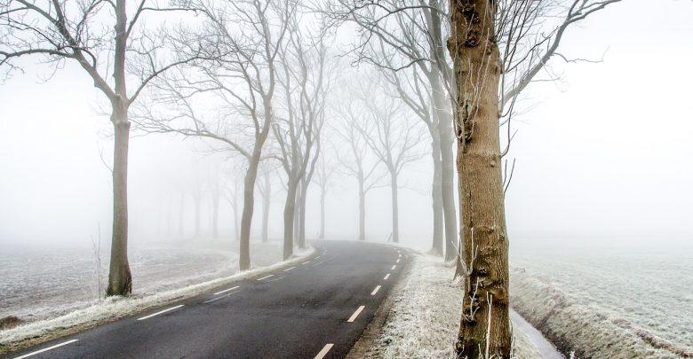 Marznące opady albo mgła - takie perspektywy na noc z 20 na 21 grudnia mają kierowcy w woj.śląskim (fot.poglądowe - pixabay.com)