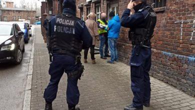 Katowice: Napadł na placówkę kredytowo-pożyczkową. Miał broń i nóż (fot.policja.pl)