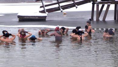 """Morsowanie staje się coraz popularniejsze, dlatego też przybywa """"świeżaków"""", którzy chcą spróbować tej zimowej aktywności."""