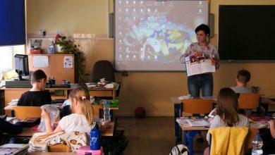 Dzieci z klas 1-3 znowu mają lekcje w szkołach. Cała reszta ma nadal zajęcia online