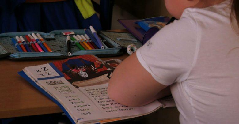 Nauka zdalna dla najmłodszych uczniów. Regionalne obostrzenia