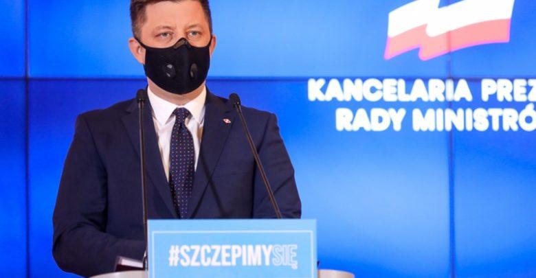 Złamanie zasad kolejności przeprowadzania szczepień przeciwko Covid-19. NFZ żąda wyjaśnień (fot.premier.gov.pl)