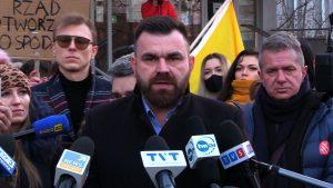 """wojciechowski Protest w Rybniku pod komendą policji ws. wydarzeń w Face 2 Face: """"To nie policja, to bandyci!!!"""""""