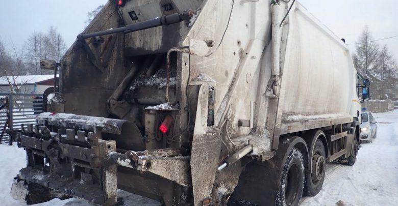 Tragiczny wypadek w Myszkowie! Mężczyznę przygniotła śmieciarka [FOTO]