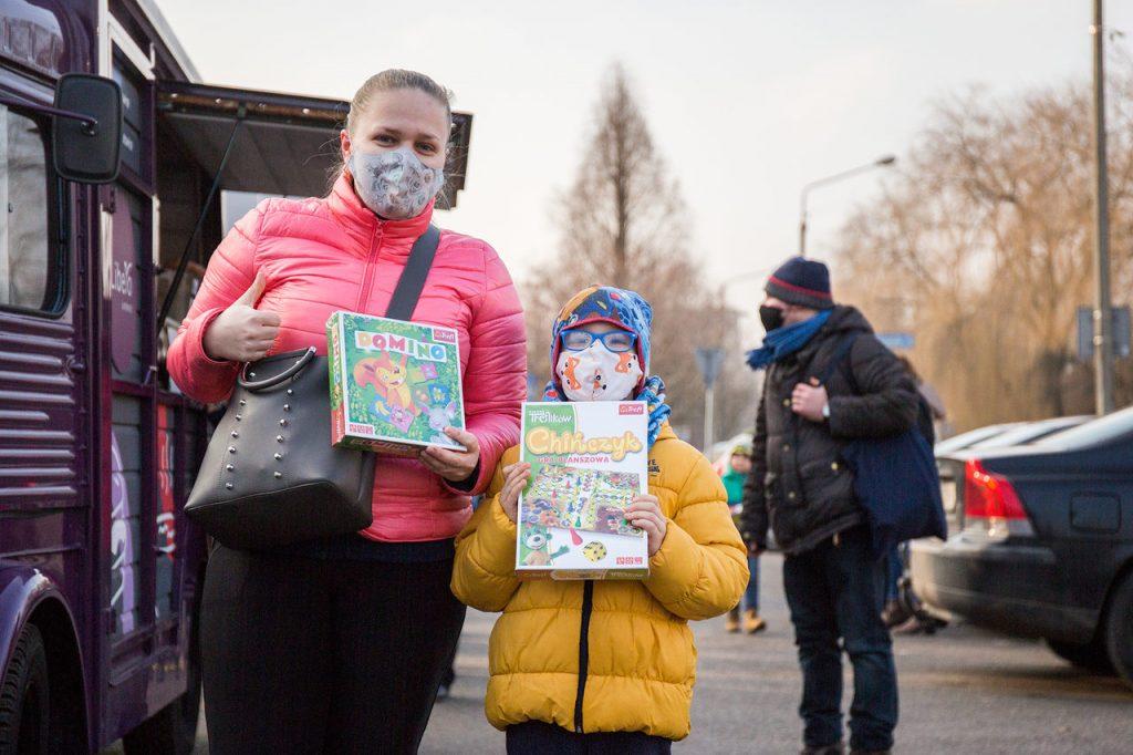 Libero Katowice wyruszyło w miasto i w odpowiedzi na nietypowe ferie zimowe rozdaje kultowe gry planszowe za symboliczną złotówkę (fot.Galeria Libero)