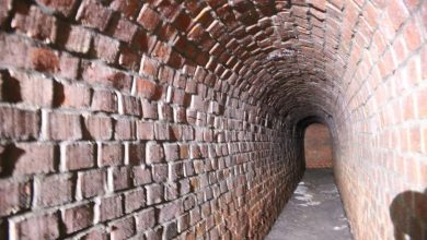 O ile o tunelu ratuszowym wiedziała, przynajmniej teoretycznie, wąska grupa zainteresowanych, to tylko nieliczni mieli świadomość, że tuż obok znajduje się równie ciekawy obiekt. [fot. UM Bielsko - Biała / Jacek Kachel]