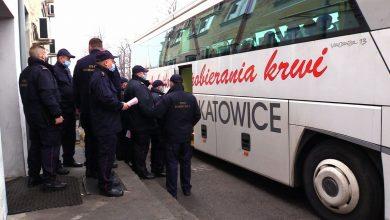 Mundurowi ze Straży Ochrony Kolei oddają osocze. Tylko w Katowicach zjawiło się 20 dawców!