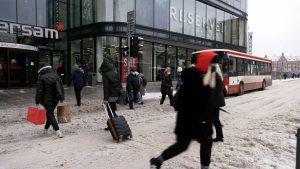 Śląskie: Koszmar na drogach trwa! Atak zimy zaskoczył dzisiaj nie tylko drogowców