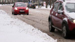 Kolejny, poważny atak zimy sparaliżował drogi w całym województwie. Mróz, intensywne opady śniegu i wiatr powodowały potężne korki