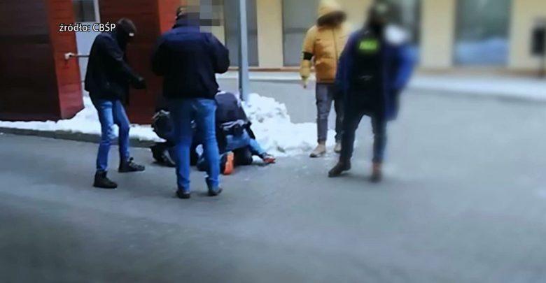 Multiprzestępcy zatrzymani. Śląscy policjanci rozbili grupę, która miała zajmować się min. przestępstwami narkotykowymi, pobiciami, przestępstwami korupcyjnymi i oszustwami