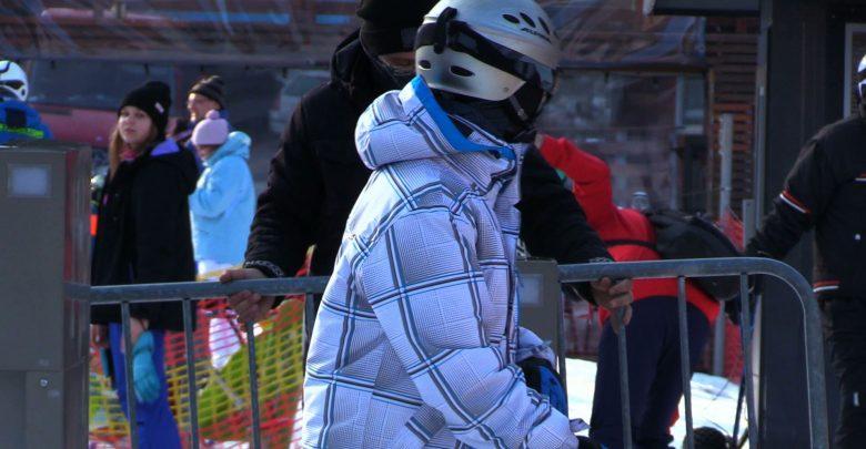 Mnóstwo narciarzy w Beskidach. Stoki oblegane, drogi do Wisły czy Szczyrku to jeden korek!