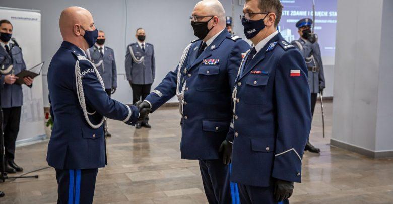 Roman Rabsztyn został już oficjalnie nowym komendantem wojewódzkim śląskiej policji. Zastąpi na tym stanowisku Krzysztofa Justyńskiego, który odchodzi na emeryturę (fot.KWP Katowice)