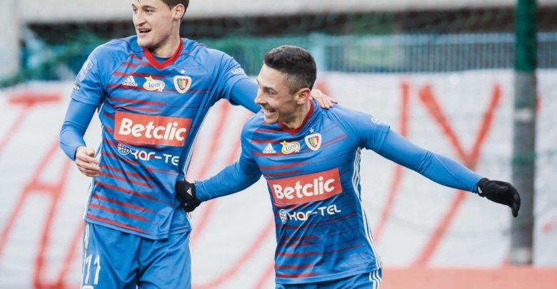 W sobotnie popołudnie Niebiesko-Czerwoni pokonali na własnym stadionie Śląsk Wrocław 2-0. Autorami bramek byli Michał Żyro oraz Patryk Sokołowski (fot.Piast Gliwice)