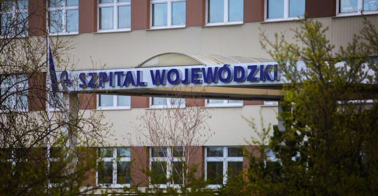 Marek Drążkiewicz przyznaje, że w obawie przed koronawirusem chorzy odwołują planowe zabiegi, bo boją się kontaktu z lekarzami. [fot. Paweł Sowa / UM w Bielsku Białej]