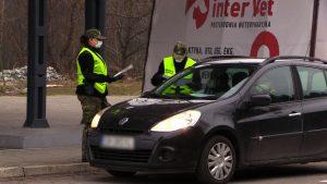 Kontrole na granicach z Czechami i Słowacją trwają. 450 osób zawrócono, są też skierowania na kwarantannę