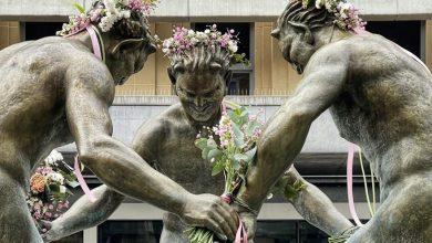Gliwice fauny przystrojone na wiosnę. Fontanna z wiosenną zieloną dekoracją fot. M. Foltyn/UM Gliwice