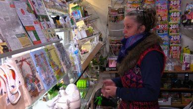 Wojna o kultowy kiosk przy dworcu w Mysłowicach. Może zniknąć po 25 latach, bo ma tu powstać parking dla rowerów
