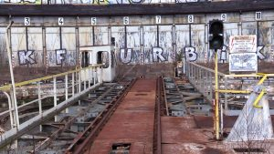 Wandale niszczą i rozkradają parowozownię w Katowicach! Piękny zabytek popada w ruinę!