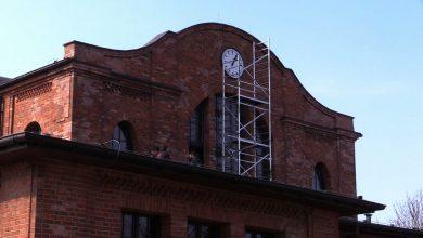 Bytom: Zegar na Rozbarku znowu działa! Naprawił go pan Ryszard, któremu pomagało całe miasto!