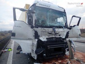 Do groźnie wyglądającego zderzenia czterech ciężarówek doszło dzisiaj przed godziną 5.00 na drodze krajowej nr 91 w Koziegłowach
