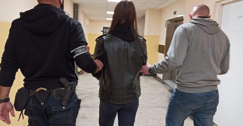 Marsz antycovidowy w Katowicach. Jedna osoba rzuciła butelką w policjanta. Fot. Śląska Policja