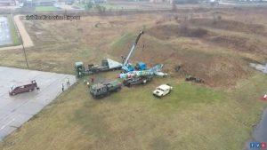 Samolot z lotniska w Pyrzowicach musiał drogą pojechać do Zabrza