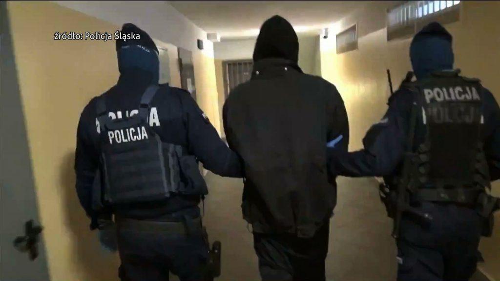 Policjanci zatrzymali 19 członków zorganizowanej grupy przestępczej wśród nich byli obywateli Ukrainy i Białorusi. Oszukali oni kilkaset osób na ponad półtora miliona złotych