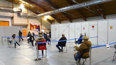 Punkt szczepień zorganizowany na lodowisku Tafla w Gliwicach pracuje na pełnych obrotach. Wykonano tam już 25 tysięcy szczepień przeciw COVID-19. (fot.UM Gliwice, SM nr 4 w Gliwicach)
