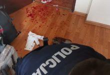 Szok! 21-latek wbijał sobie nóż w szyję! Policja uratowała mu życie. Fot. Policja Śląska