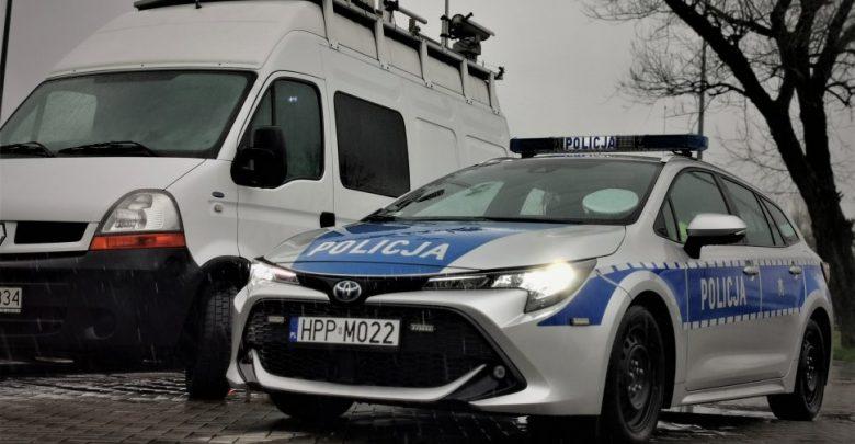 Biały bus sieje postrach na śląskich drogach! A wygląda tak niewinnie (fot.policja)