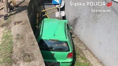 Niecodzienny wypadek w Sosnowcu. Najpierw potrącił pieszą, potem zapadł się pod ziemię!