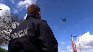 Już nie patrzcie we wsteczne lusterko. Śląska policja drogowych piratów filmuje z drona!